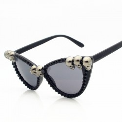 Steampunk retro sunglasses with skulls