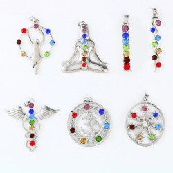 Reiki 7 crystal beads - Chakra - pendant for necklace - Yoga / meditation / angel shape